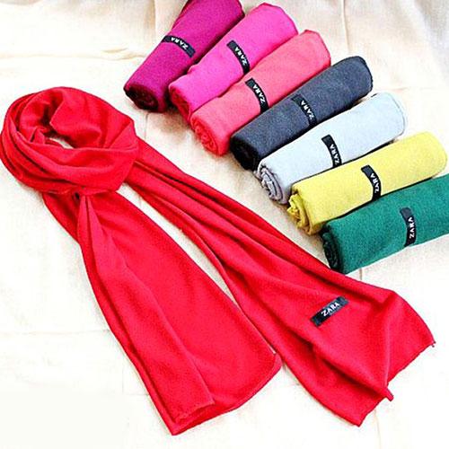 Khăn len quàng cổ Zara thời trang, ấm áp cho bạn gái